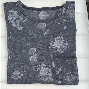 Short sleeve with flowers